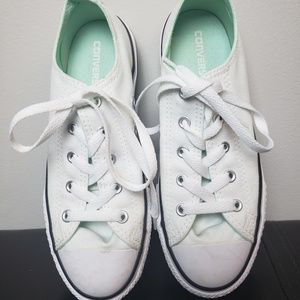 Converse Girls Size 3 White Sneakers